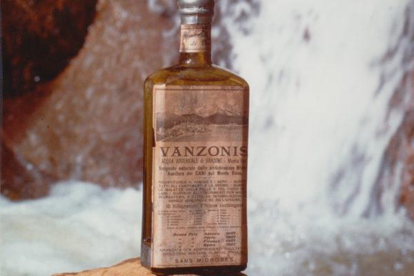Bottiglia Vanzonis Pessina copia